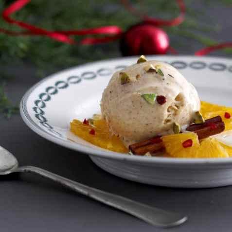 Appelsinsalat med juleiskrem oppskrift.