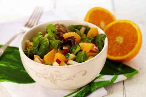 Vintersalat med appelsin og squash oppskrift.