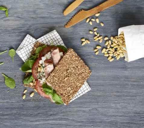 Sandwich med skinke og cottage cheese oppskrift.