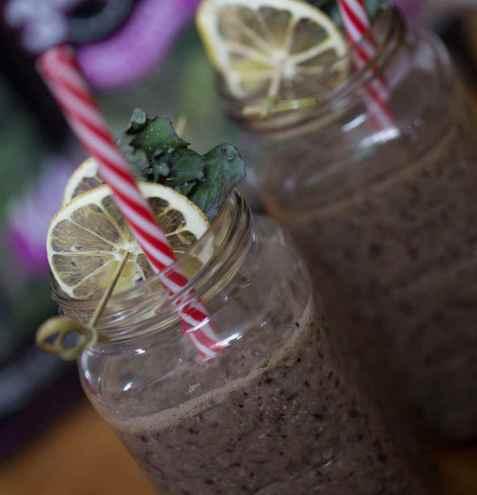 Tony Baker's Kalettes blåbær smoothie oppskrift.