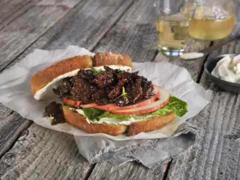 Bilde av Sandwich med glasert reinsdyrskav.