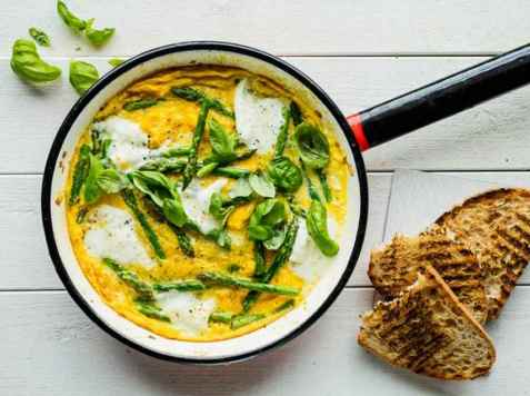 Bilde av Omelett med asparges.