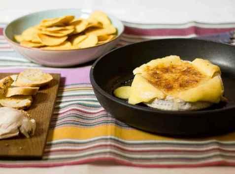 Bilde av Varm brie med smak av Mexico.