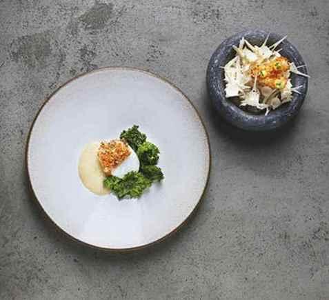 Mikael Svenssons skrei med saus og grønnkål oppskrift.
