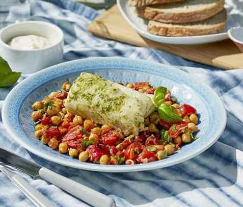 Urtemarinert grillet klippfisk med lun kikertsalat oppskrift.