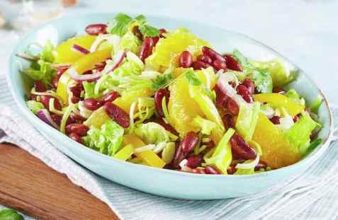 Dagens oppskrift er Bønnesalat med appelsin og rødløk.
