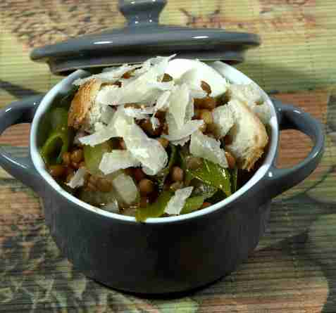 Chilensk linsesuppe oppskrift.