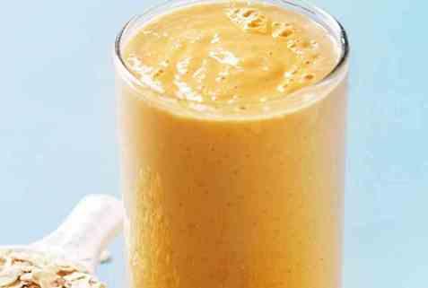 Dagens oppskrift er Mango- og papayasmoothie.