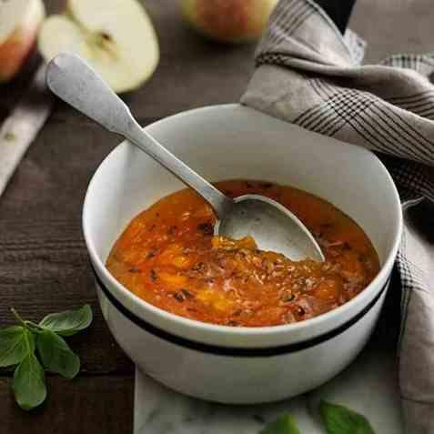 Eple-appelsinmarmelade oppskrift.