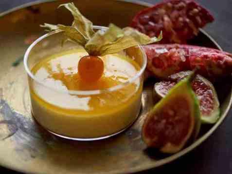 Vaniljefromasj med pasjonsfrukt oppskrift.