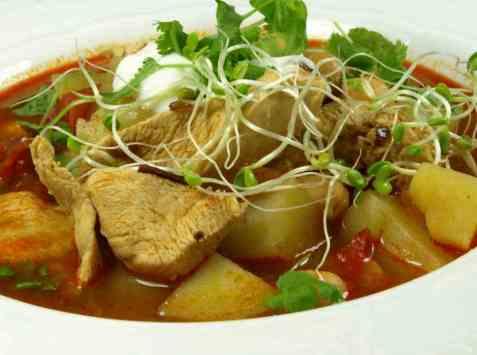 Dagens oppskrift er Krydret indisk kyllingsuppe.
