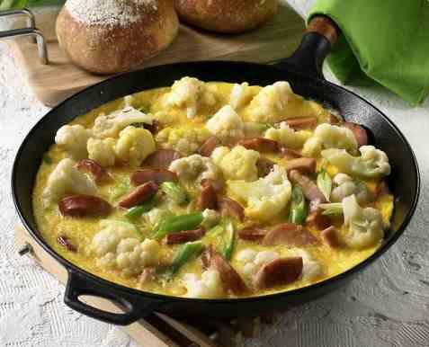 Omelett med blomkål og purre oppskrift.