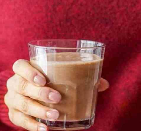 Proteindrikk med kakao og banan oppskrift.