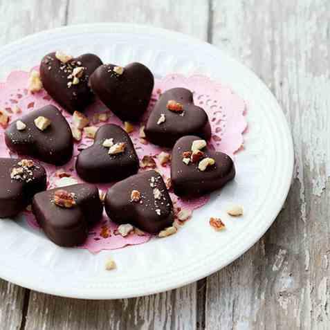 Cookie dough dyppet i sjokolade oppskrift.