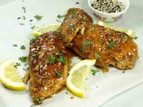 Kyllingbryst med honning og hvitløk oppskrift.