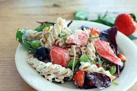 LobNobs med pasta, jordbær og oliven oppskrift.