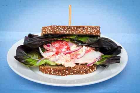LobNobs i sandwich med majonessalat oppskrift.