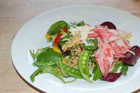 Dagens oppskrift er Pasta med LobNobs, grønnsaker og parmesan.