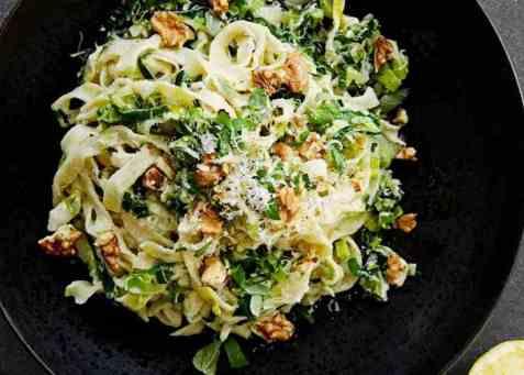 Kremet pasta med ricotta og purre oppskrift.