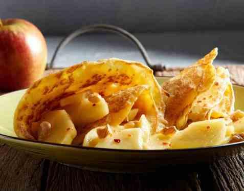 Pannekaker med marsipan og krydderepler oppskrift.