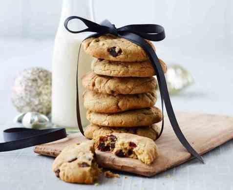 Chocolate chip cookies med mandler oppskrift.