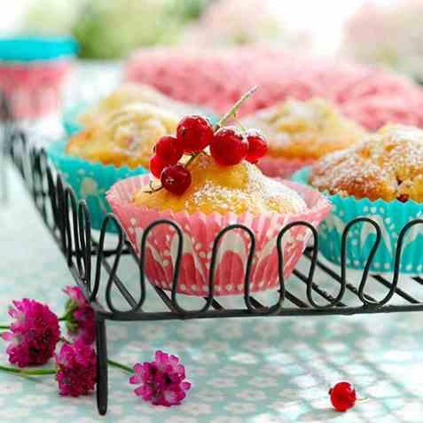Bær-/fruktmuffins med marsipan oppskrift.