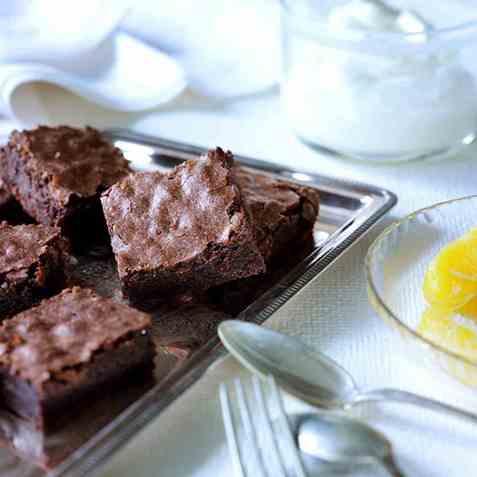 Sjokoladekake i langpanne med innkokte klementiner oppskrift.