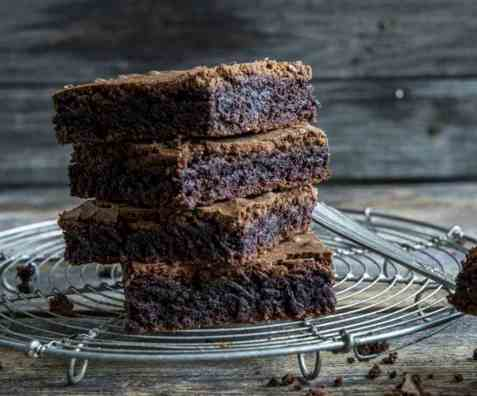 Glutenfrie brownies i langpanne oppskrift.