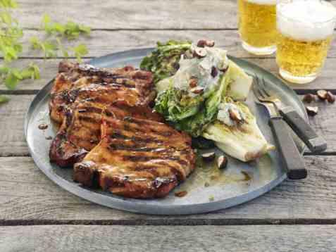 Sommerkoteletter med gratinert hjertesalat oppskrift.