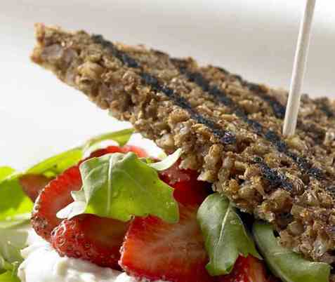 Sandwich med jordbær og ruccula oppskrift.