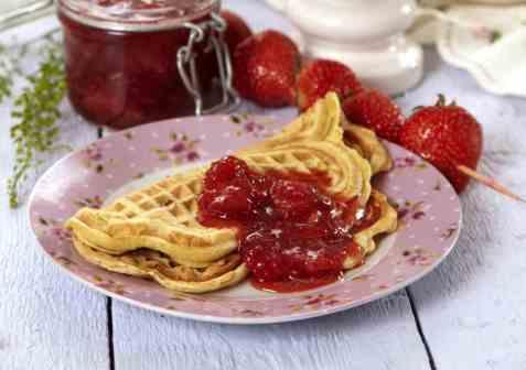 Jordbærmarmelade med sitrongress oppskrift.