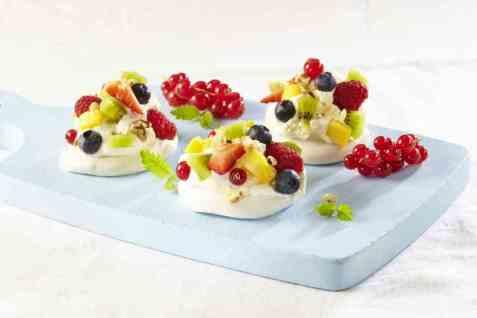 Minipavlova med bær oppskrift.