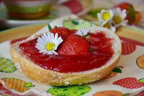 Bringebær- og jordbærsyltetøy oppskrift.