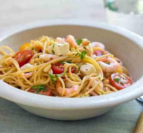 Spaghetti med reker og fetaost oppskrift.