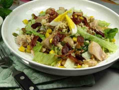 Frisk kyllingsalat med couscous oppskrift.
