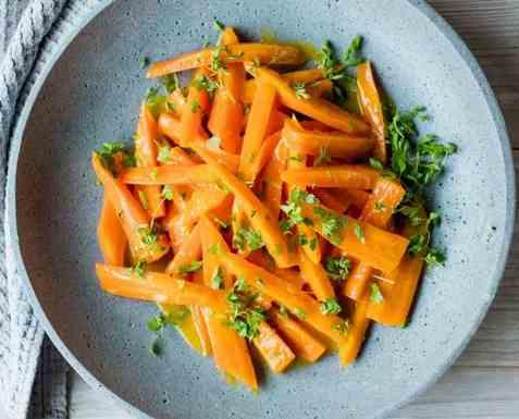 Appelsinkokte gulrøtter som tilbehør oppskrift.
