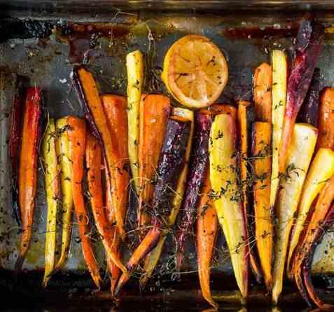 Ovnsbakte gulrøtter med sitron, honning og timian oppskrift.