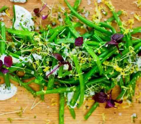 Aspargesbønnesalat med sitrondressing oppskrift.
