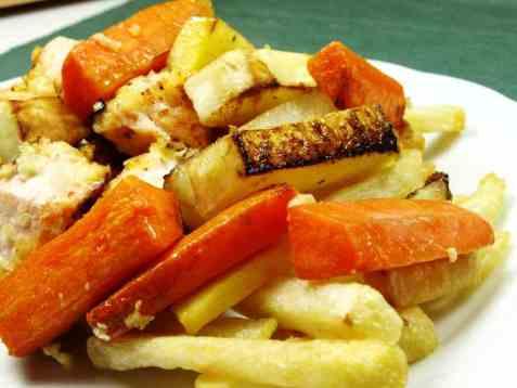 Fish and chips med laks og grønnsaker oppskrift.