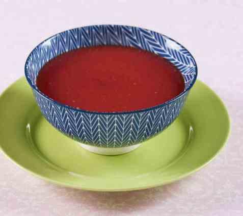 Enkel tomatsuppe oppskrift.