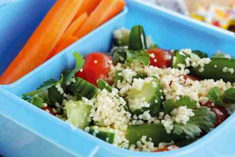 Vegetarsalat med frisk koriander oppskrift.