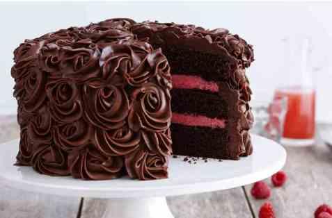 Sjokoladekake med bringebærmousse oppskrift.