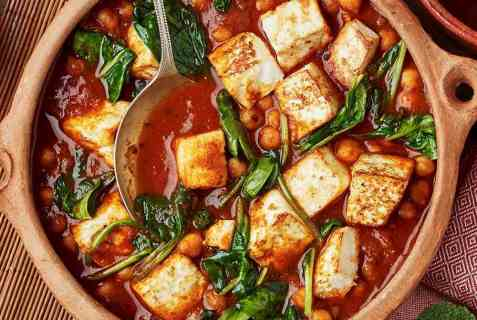 Vegetarisk curry med paneer oppskrift.