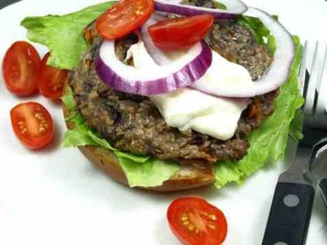 Hjemmelagd vegetarburger med sorte bønner oppskrift.
