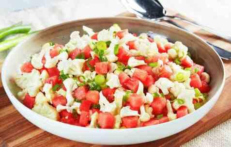 Blomkålsalat med vannmelon oppskrift.