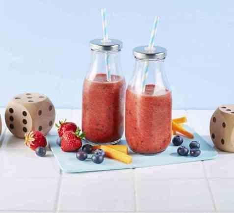 Smoothie med paprika, jordbær og gulrot oppskrift.