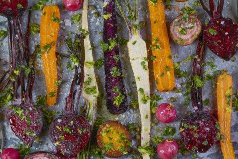 Bakte rotgrønnsaker med gremolata oppskrift.