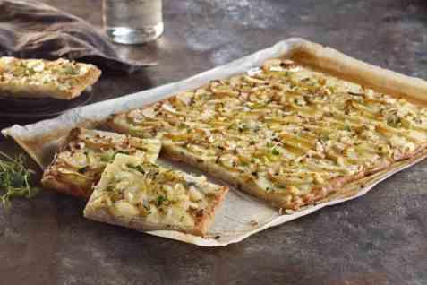 Pizza bianco med poteter oppskrift.