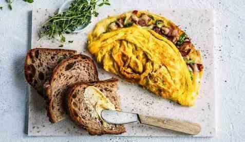 Middagsskive med omelett oppskrift.