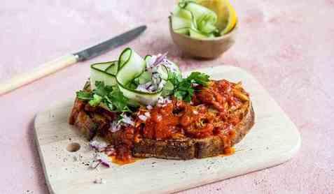 Middagsskive med makrell i tomat oppskrift.